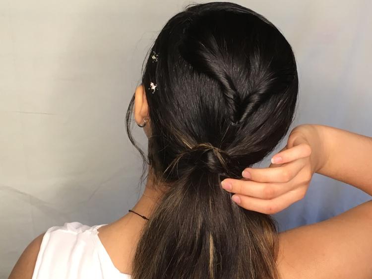 Zendaya Low-Ponytail – Seton Girls\' Hairstyles