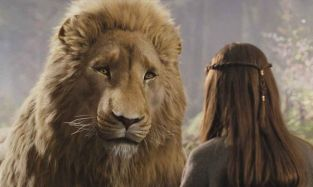 Lucy-and-Aslan-lucy-pevensie-13699412-600-360